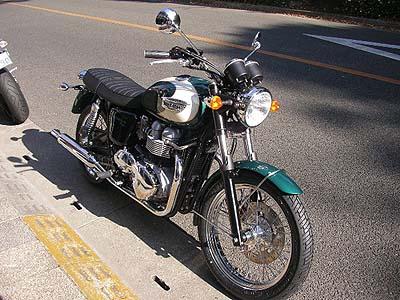 ボンネビルT 100 08モデル